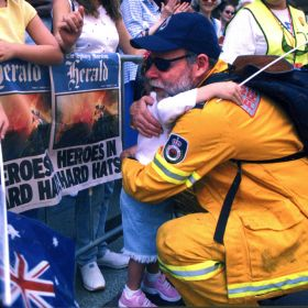 Thank you parade in Sydney after the Black Christmas fires, 2001